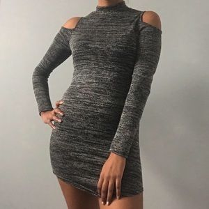 Dresses & Skirts - NWOT grey cold shoulder dress with a mock-neck